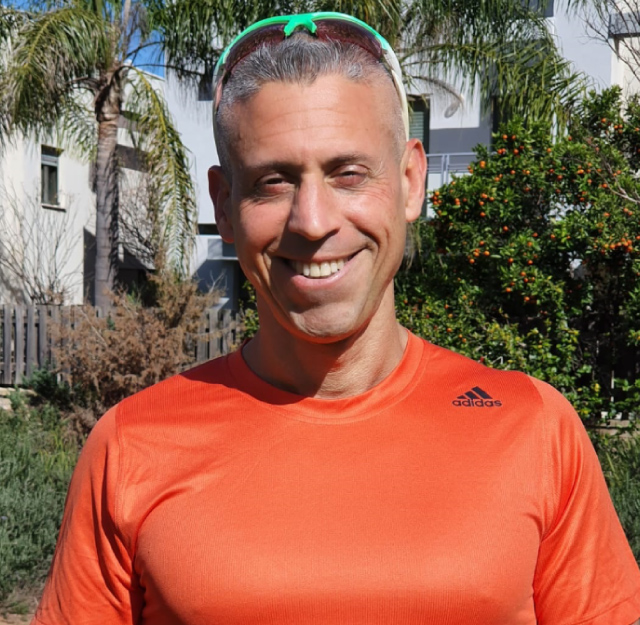 """המאמן שפרש מהצבא חושף את השיטה לאורח חיים בריא שעל בסיסה הצליח להוריד 15 ק""""ג"""