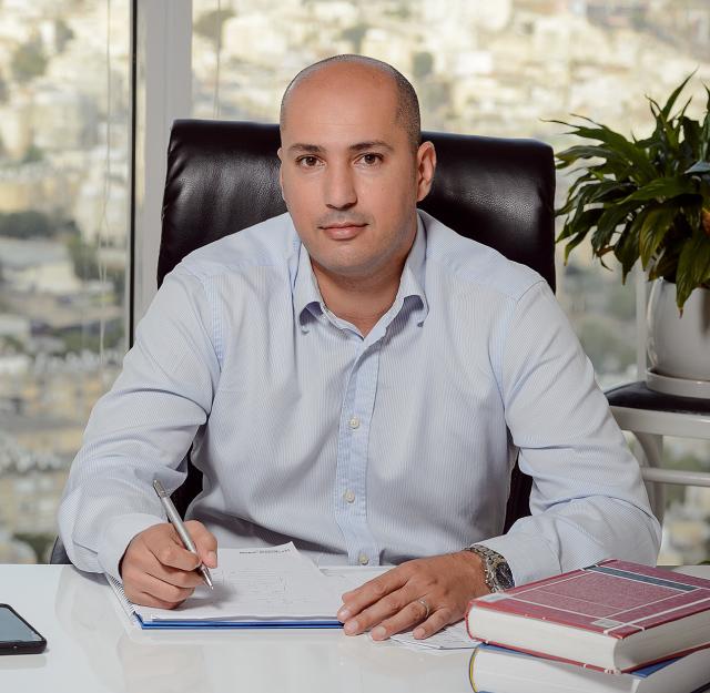 'יחידת הקומנדו' הישראלית שמחזירה לבעלי עסקים את הכסף שהלקוחות חייבים להם